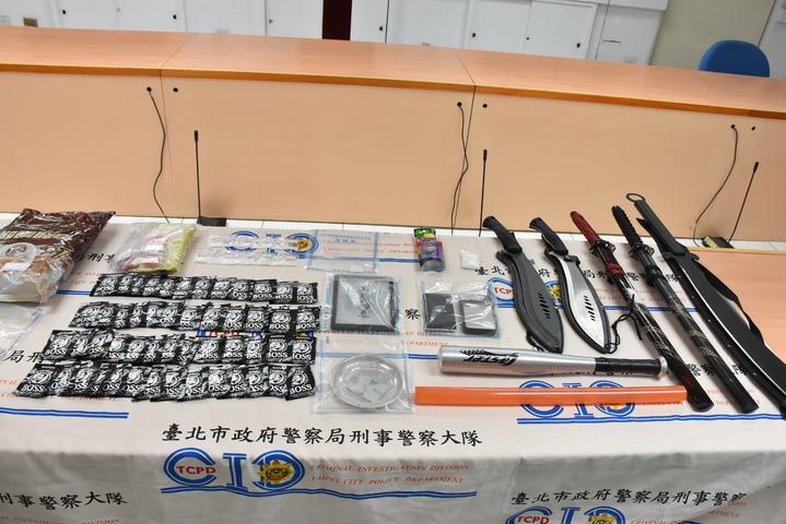 警方查扣k毒、安毒、毒品咖啡包等證物。