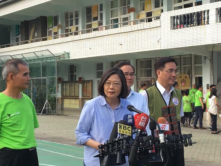蔡英文總統今天到台東視察行程後接受媒體提問。記者周佑政/攝影