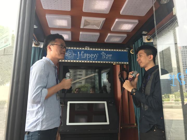 電話亭KTV夯,夜市商圈越來越多。記者陳秋雲/攝影