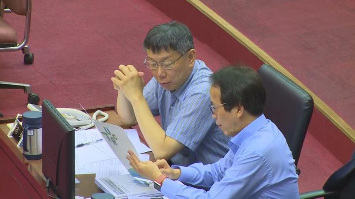 台北市長柯文哲24號到市議會進行總質詢答詢。攝影/記者王彥鈞