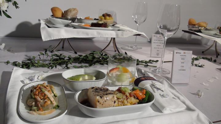 泰國航空首度與台北文華東方酒店吸收合作,推出米其林星級空中饗宴,自2018年6月1日起,在台北搭飛往曼谷的下午航班TG633與晚上航班TG635的商務艙內,推出獨一無二的米其林空中饗宴。 記者楊文琪/攝影
