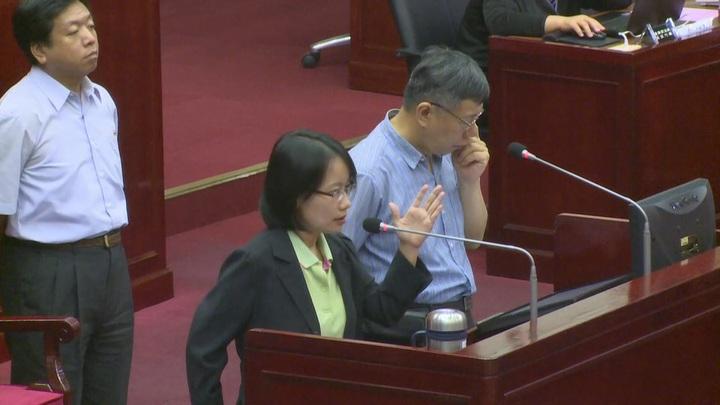 台北市議會市政總質詢,議員繼續向吳音寧開炮。記者黃純益/攝影
