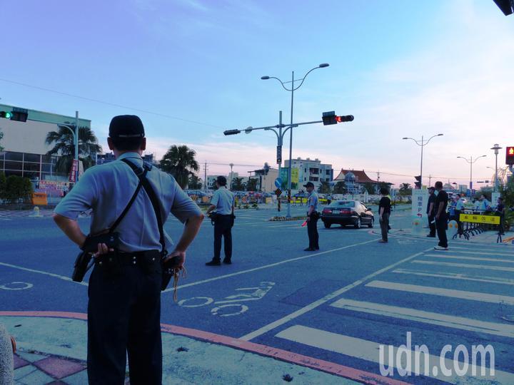 為了2018總統府音樂會,彰化縣警局布下重重警力,進行嚴格的交通管制。記者凌筠婷/攝影