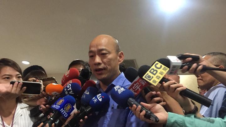 台北地檢署今上午以被告兼證人身分傳喚北農前總經理韓國瑜。記者賴佩璇/攝影。