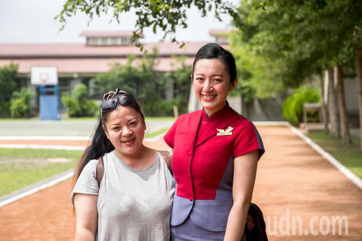 羅祖兒(右)與母親(左)美麗合影。記者蔡翼謙/攝影