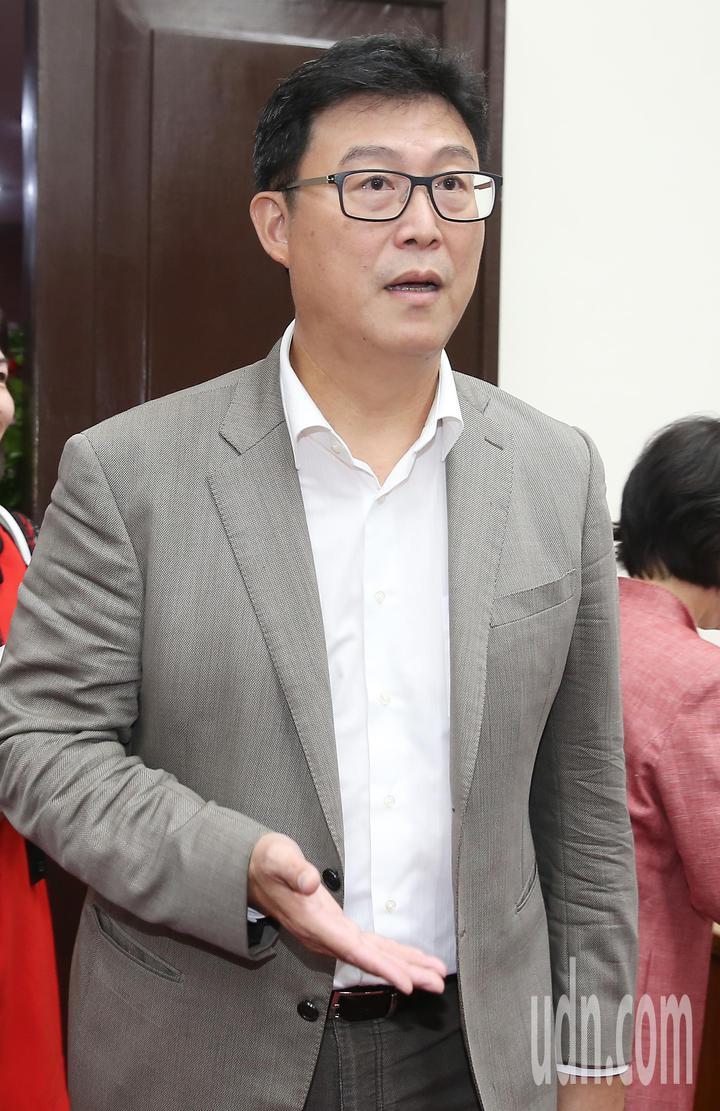 民進黨台北市長參選人姚文智上午出席社會創新國會成立大會,他自信地說自己當然是王牌投手。記者余承翰/攝影