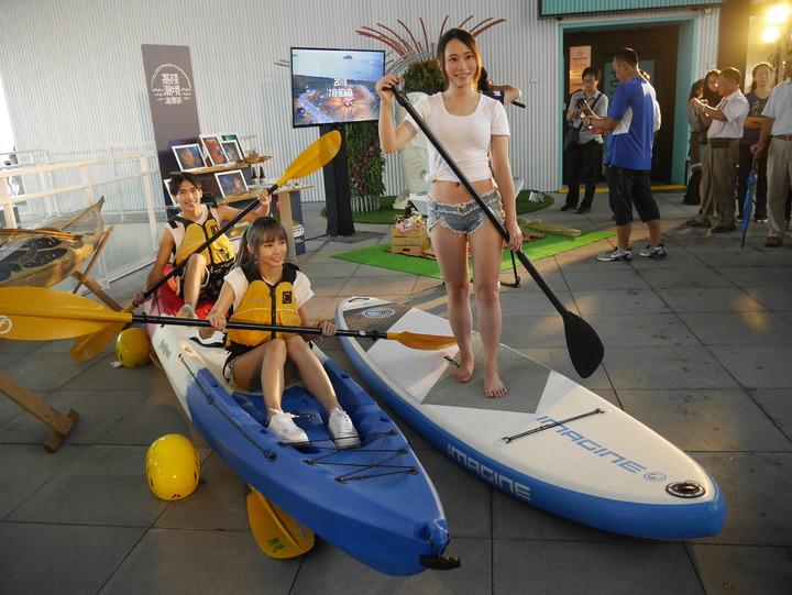 潮境海灣節有「舟遊潮境」獨木舟體驗,是玩水親海的好去處。記者吳淑君/攝影