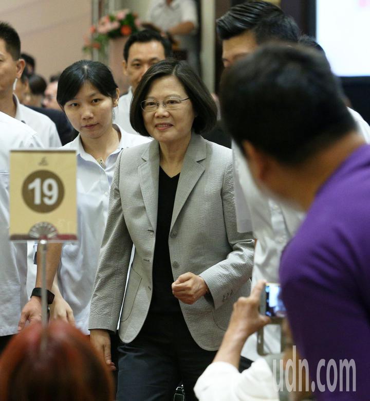 全國孝行獎頒獎典禮今天在台南舉行,蔡英文總統特地南下參加。記者劉學聖/攝影