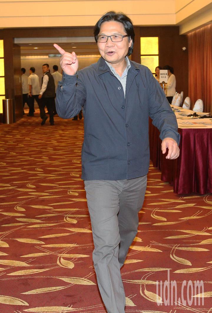 全國孝行獎頒獎典禮今天在台南舉行,即將接任教育部長的內政部長葉俊榮上午出席活動,針對媒體提問如何處理台大校長案,葉俊榮沒有回應。記者劉學聖/攝影