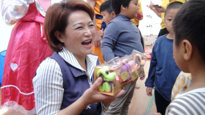 現年51歲的蕭淑麗,群眾魅力、口條俱佳,對中間選民頗有吸引力,加上現任議長的光環與資源,蕭獲得不少社團支持。本報資料照