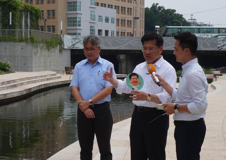 台中市長林佳龍接受聯合報系直播專訪,林佳龍說柯P醫師出身、擅長短打,把很多問題都當成危機處理。記者洪敬浤/攝影