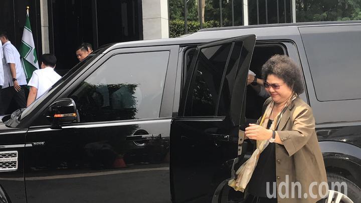 總統府秘書長陳菊今天也到台中參加輔選會議。記者陳秋雲/攝影