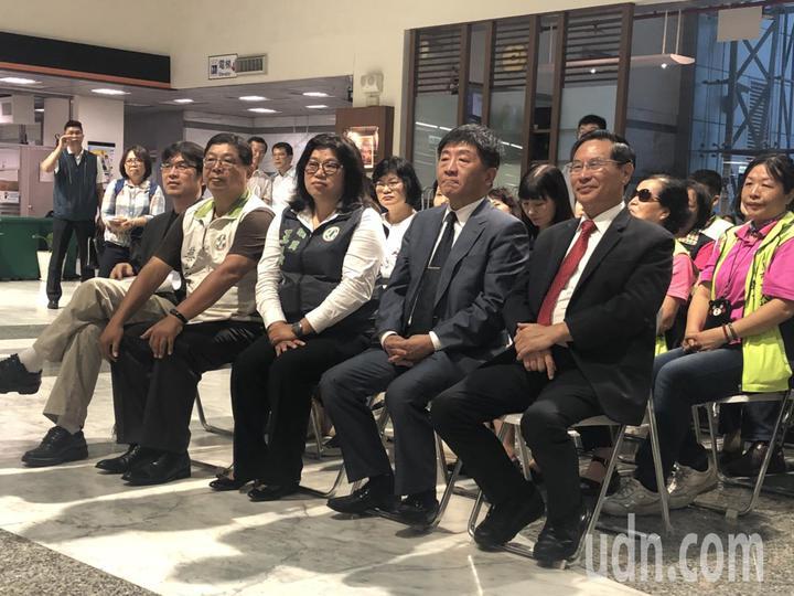衛福部長陳時中今天到嘉義市視察,肯定嘉義市推動的創新福利作為。記者王慧瑛/攝影
