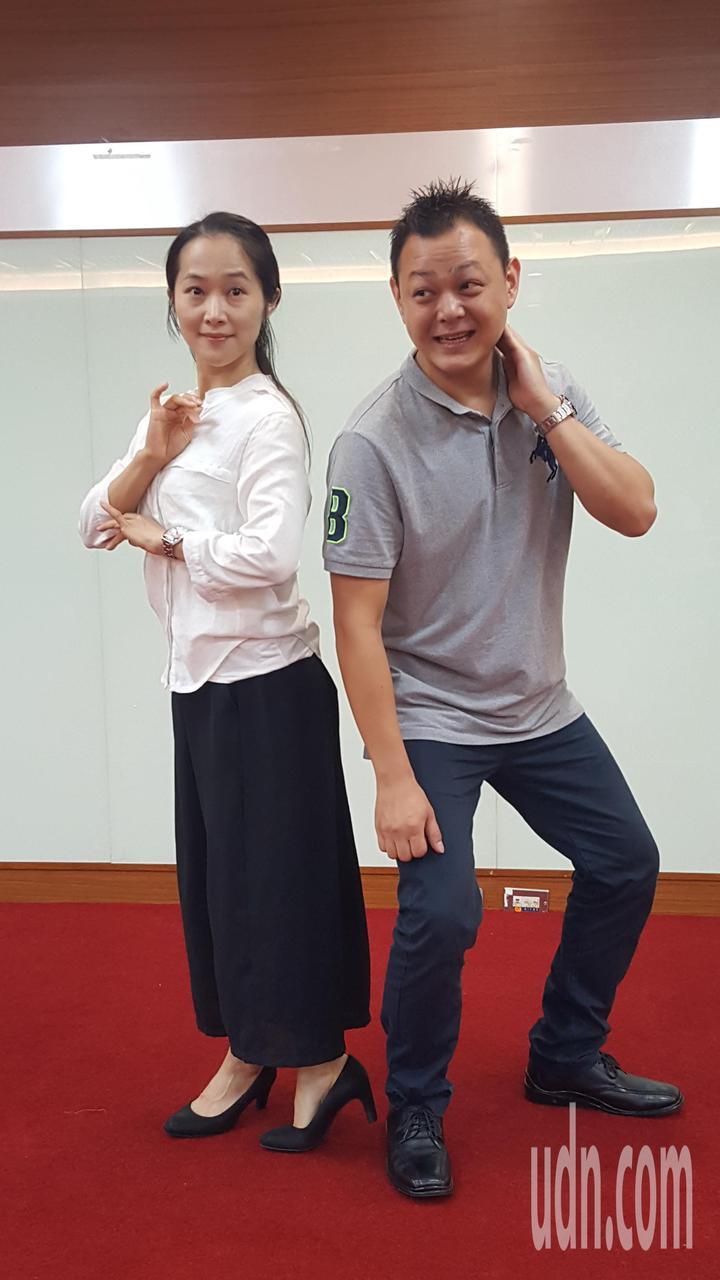 陳思朋(右)和陳芝后在「駝背漢與花姑娘」戲中表現傑出,分別入圍最佳表演新秀獎、年度最佳演員獎。記者胡蓬生/攝影