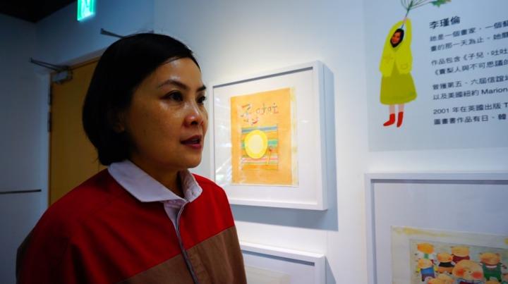 畫家李瑾倫今夏舉辦一場特別的展覽,邀請大人蹲下來,以孩子的視角看世界。記者吳佩旻/攝影