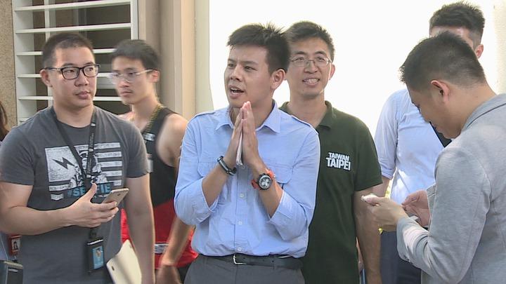 姚文智陣營發言人洪立齊出面發表3點聲明,相信高嘉瑜不是一個非常投機的人。攝影/記者王彥鈞