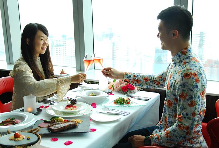 台中亞緻大飯店推出情人節套餐,搶攻七夕商機。圖/台中亞緻大飯店提供
