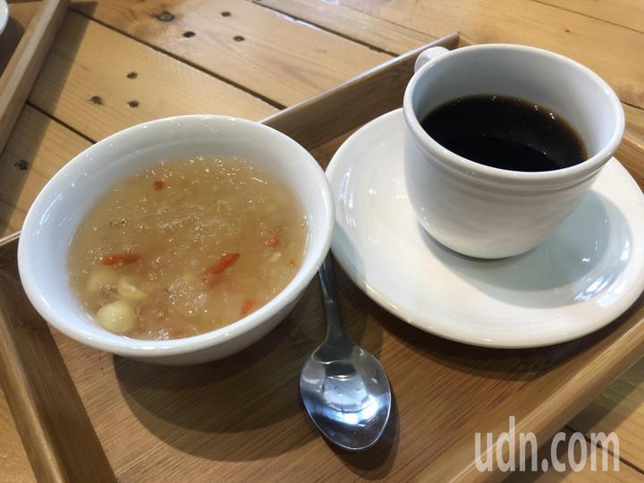 「新食煮藝中山店」料理以蒸燉為主,減少使用油脂,如輕藥膳的燉湯等,保留食材鮮甜美味。記者王慧瑛/攝影