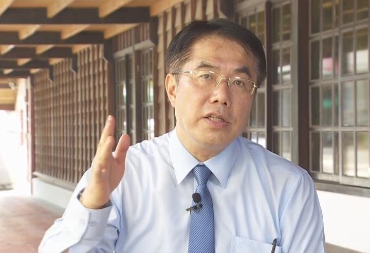 民進黨台南市長參選人黃偉哲在直播中向對手喊話「期待君子之爭」。攝影/記者石偉民