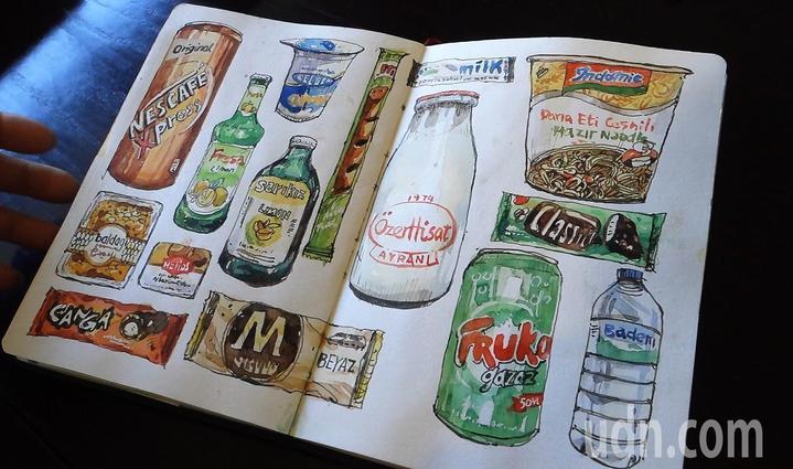 鄭開翔把在土耳其吃的零食全部畫下來。記者翁禎霞/攝影