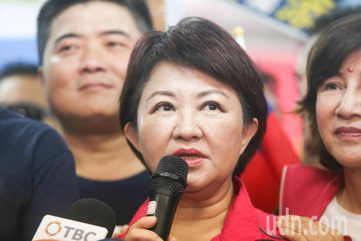 盧秀燕以「為鄉親作戰,台中一定要贏!」為題,在常會發表競選理念向市民懇託,宣示國民黨從台中出發。記者黃仲裕/攝影