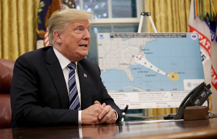 美國總統川普11日在白宮聽取有關單位針對颶風「佛羅倫斯」的簡報,席間提及聯邦緊急事務管理署在波多黎各遭颶風瑪利亞襲擊時的表現是一場「了不起的無名勝利」,引發外界一輪痛批。法新