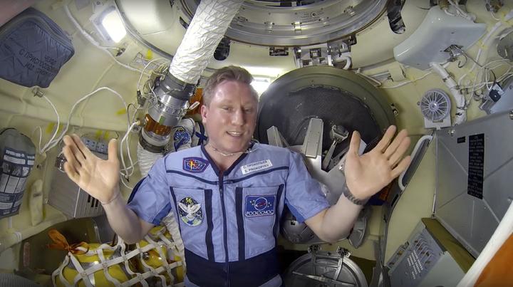 俄羅斯航太公司10日公布影片,由駐國際太空站的俄羅斯太空人普羅科皮耶夫親自展示及說明聯合號MS-09太空船艙間裂縫已被堵住。截至目前為止,俄羅斯方面仍未能查出細小裂縫出現原因。美聯