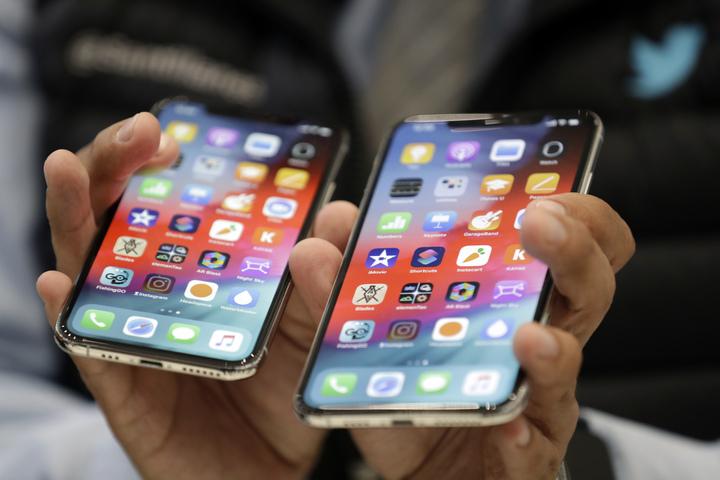 蘋果在台灣時間13日凌晨舉行發表會,推出3款新iPhone,包括最高階要價破5萬新台幣的iPhone Xs Max和入門版的iPhone XR。美聯