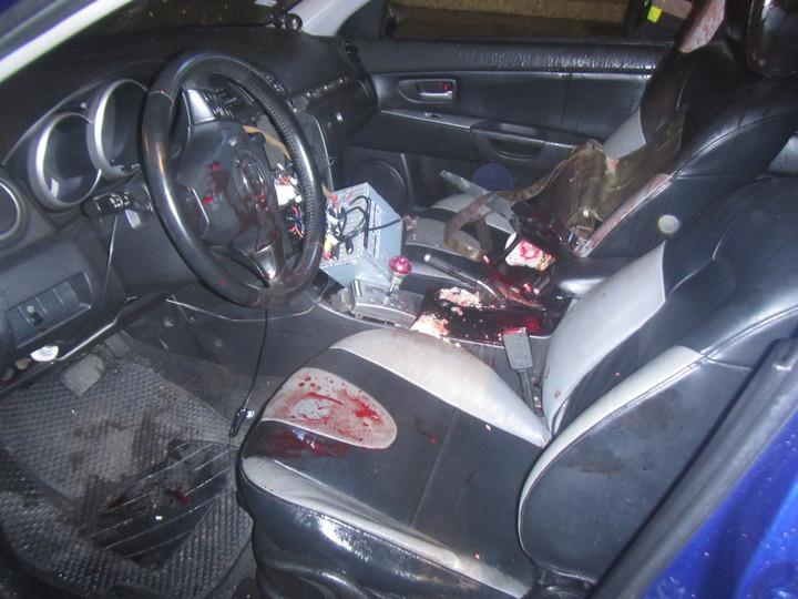 事故車內血跡斑斑。記者蔣繼平/翻攝