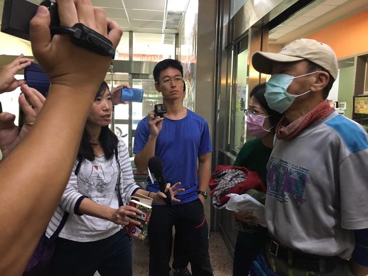 葉姓山友送醫後表示,不必檢查,即和妻子自行離去。圖/民眾提供