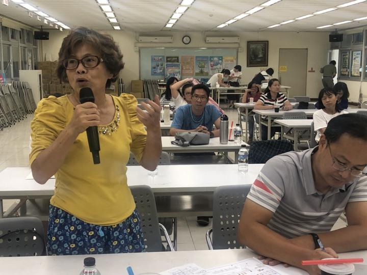 嘉義市東區市議員參選人林瑞霞也到場表達對「公園特色化」看法。記者王慧瑛/攝影