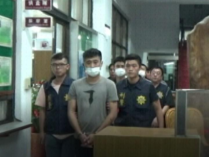 「兄弟茶」的犯罪集團以劉姓嫌犯為主,涉嫌向高雄地區的八大行業業者強迫推銷高價茶葉。記者徐白櫻/翻攝