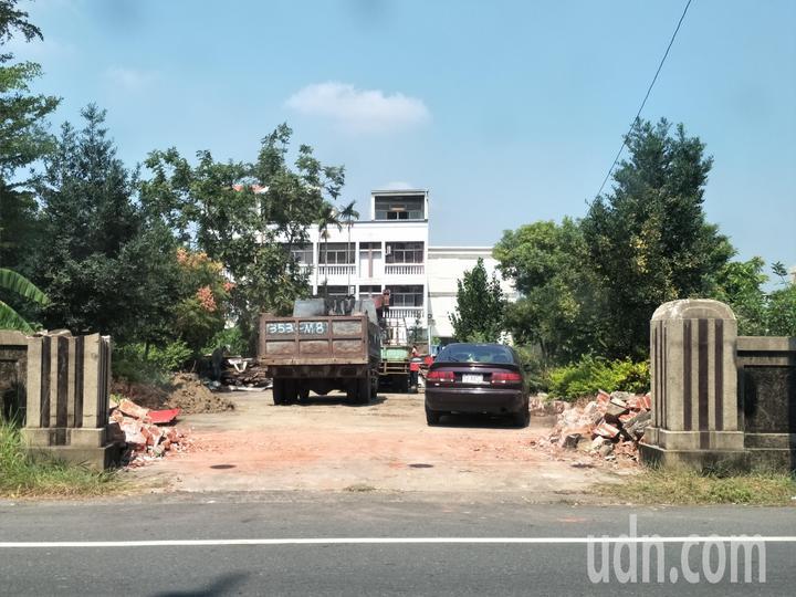 日據時代興建的台南新營太子宮「郭家古厝」拆除,地方愕然。記者謝進盛/攝影