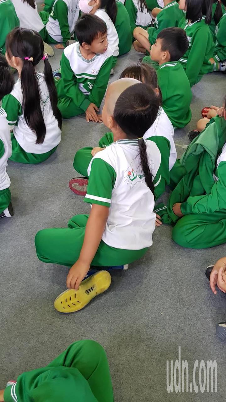 小一男童張宸翔「剃髮留辮」的清朝復古造型在校園獨樹一格。記者黃瑞典/攝影