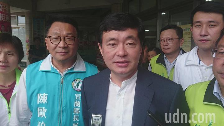 對宜蘭選情,民進黨秘書長洪耀福今天在宜蘭受訪時表示,感到很欣慰,也嚇一跳。記者羅建旺/攝影