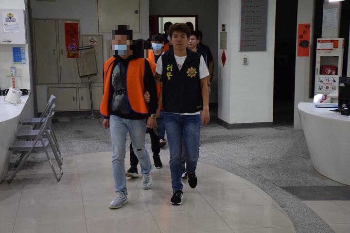 台中市陳姓男子經營暴力討債集團,8日被警方依妨害自由、傷害等罪嫌移送台中地檢署偵辦。記者陳宏睿/翻攝