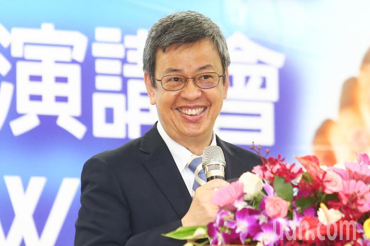 副總統陳建仁上午出席2018台灣醫學週開幕典禮,致詞說最近常接見新南向國家的外賓,他們想跟台灣學的就是醫療保健跟臨床研究及實驗,很希望未來我們的臨床實驗能夠把他們國家的醫學中心包括在裡面。記者王騰毅/攝影