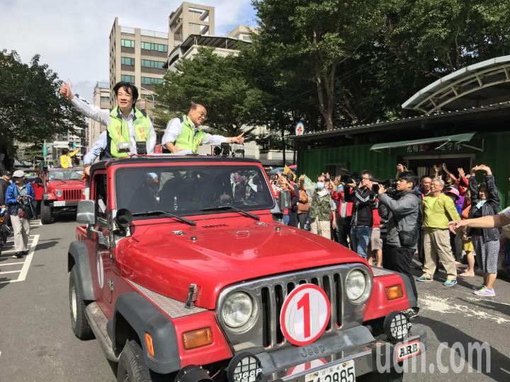 行政院長賴清德隨後並陪同蘇貞昌車隊掃街。記者陳珮琦/攝影