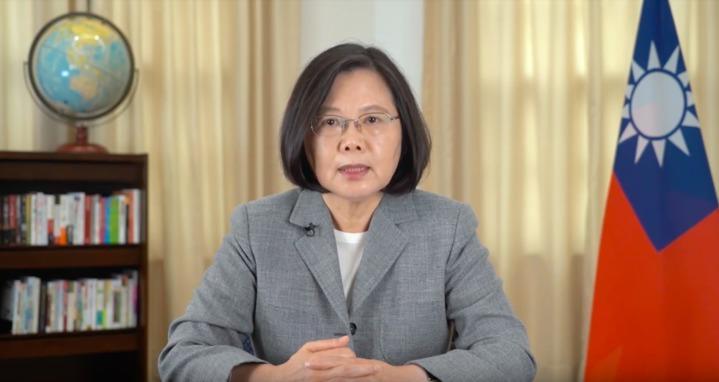 大華府台灣同鄉會慶祝50周年,10日舉行感恩餐會,總統蔡英文透過預錄影片祝賀並呼籲僑胞返台投票。圖/截自影片