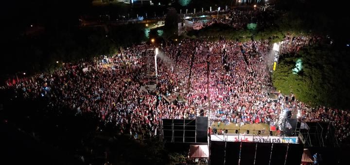 「韓流」韓國瑜為陳學聖造勢晚會站台,現場支持者爆滿。圖/陳學聖競選總部提供