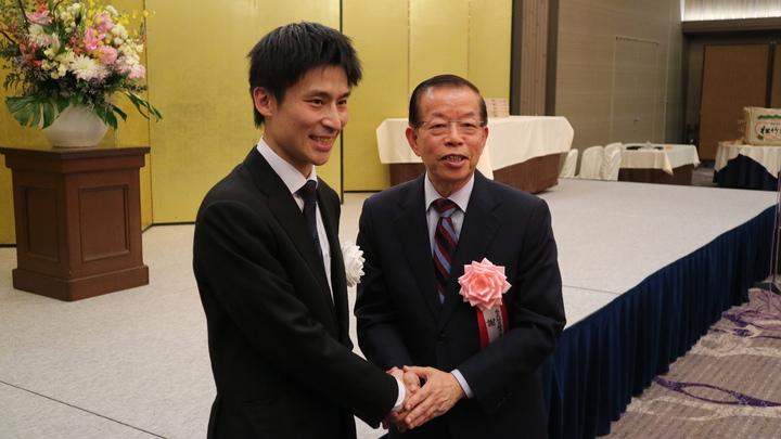 駐日代表謝長廷晚間出席我國圍棋好手張栩重奪名人頭銜的就位儀式,被問及日本官方表態我國將無法加入CPTPP,謝長廷表示會繼續與日本溝通,修補雙方關係。東京記者蔡佩芳/攝影