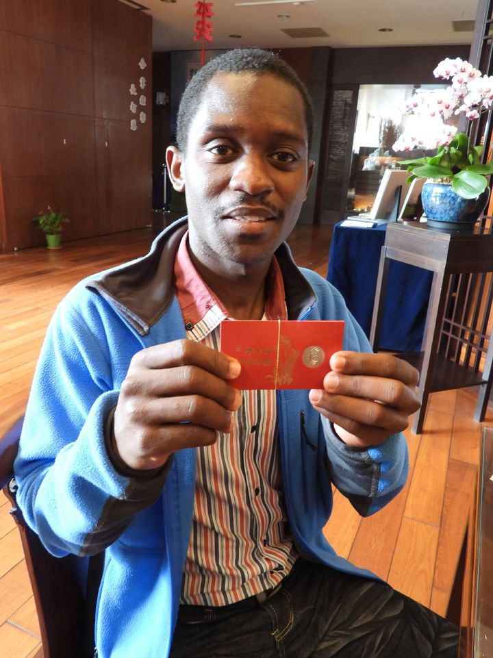 蒲隆地學生Elias期待學成回國為環保盡心力。記者周宗禎/攝影