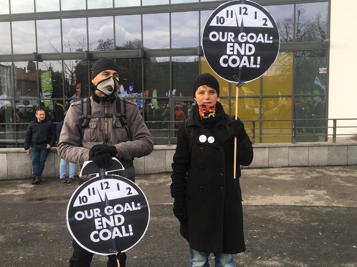 聯合國氣候變化綱要公約第24次締約方會議(COP24)在波蘭卡托維茲舉辦,上千名環保人士今天到當地市中心大遊行。記者吳姿賢/攝影