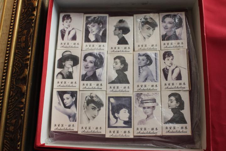 奧黛麗赫本系列火柴盒。記者張雅婷/攝影