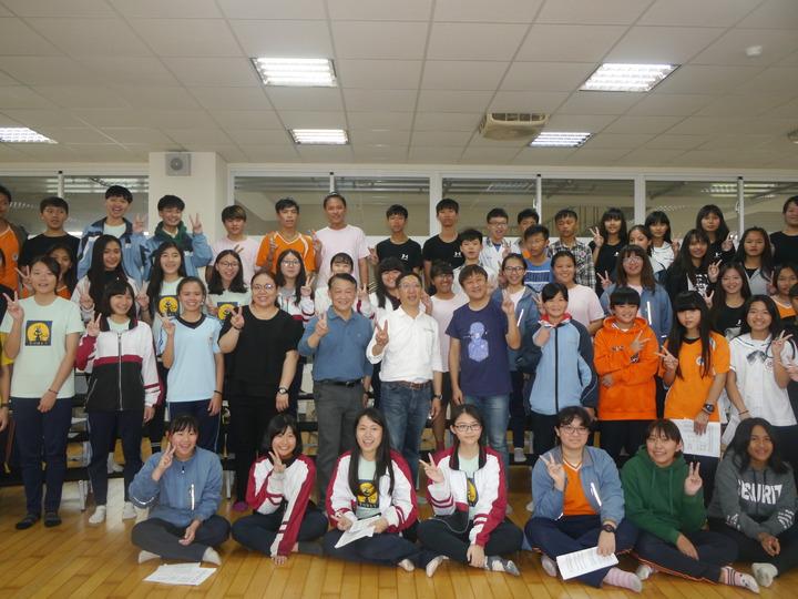 六龜高中合唱團獲獎無數,博得眾人熱烈掌聲。記者徐白櫻/攝影