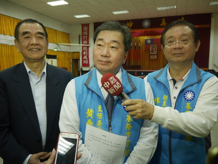 黃希賢說,的確有很多人勸進他選立委,再給他二周考慮後公布。圖/本報系資料照