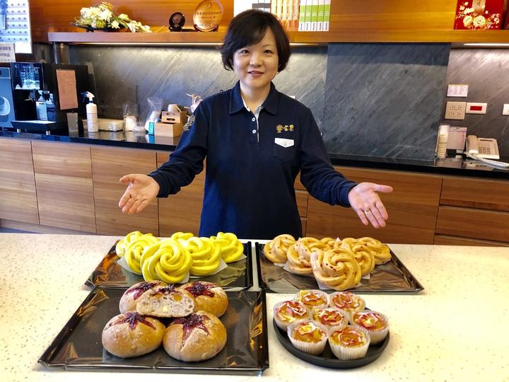 百年餅店宝泉配合台中花博,推出「幸福包子饅頭」等系列新產品。記者宋健生/攝影