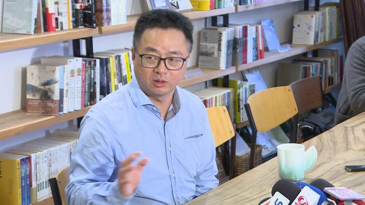 接任民進黨秘書長一職的羅文嘉,上午在水牛書店暢談理念。記者顏凱勗/攝影