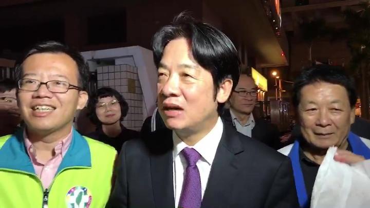 行政院前院長賴清德今晚回到台南市,受到支持者熱烈歡迎。記者黃宣翰/攝影