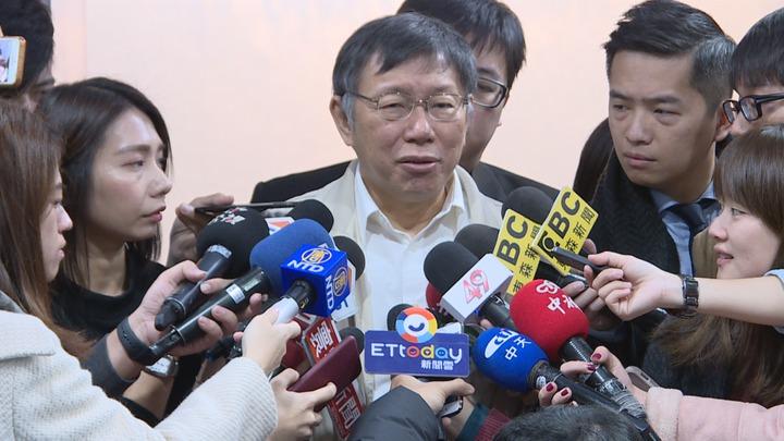 行政院長蘇貞昌昨視察非洲豬瘟防疫,飆罵防檢局長,台北市長柯文哲說非洲豬瘟疫情是一定不熟的,因為都還沒出現,像當年遇到SARS時,才知道有這個東西,之前也不知道怎麼防備。記者/顏凱勗攝影